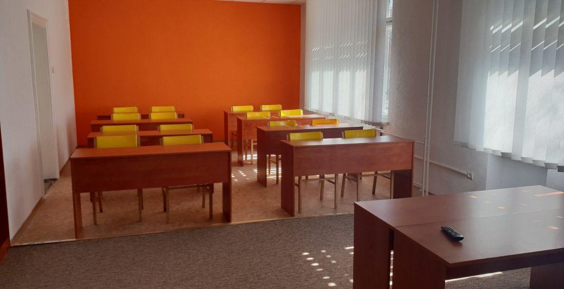 Príjemné priestory učebne